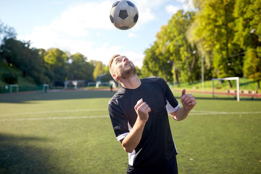 fotbal hlavicka