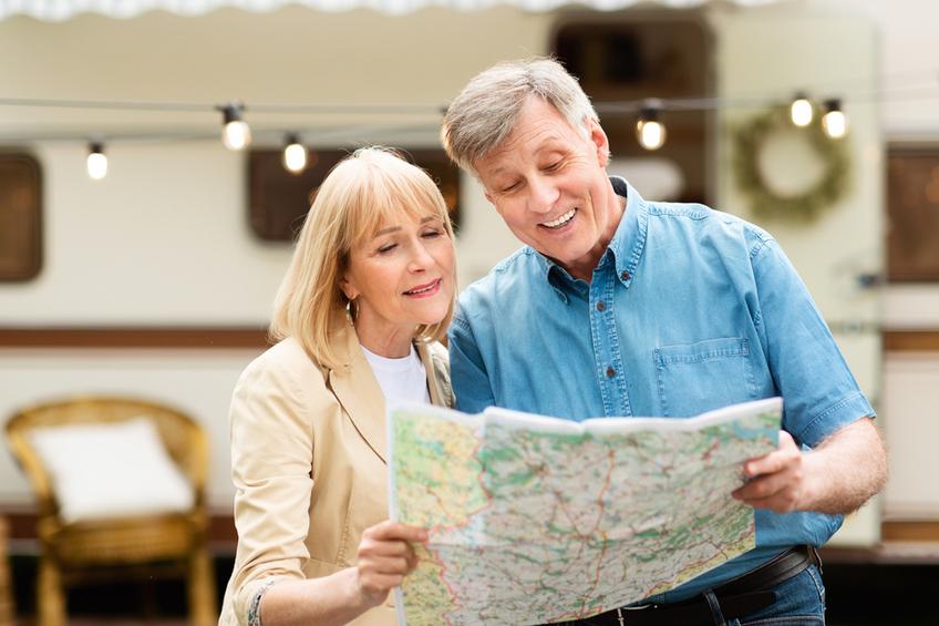 důchodci cestování
