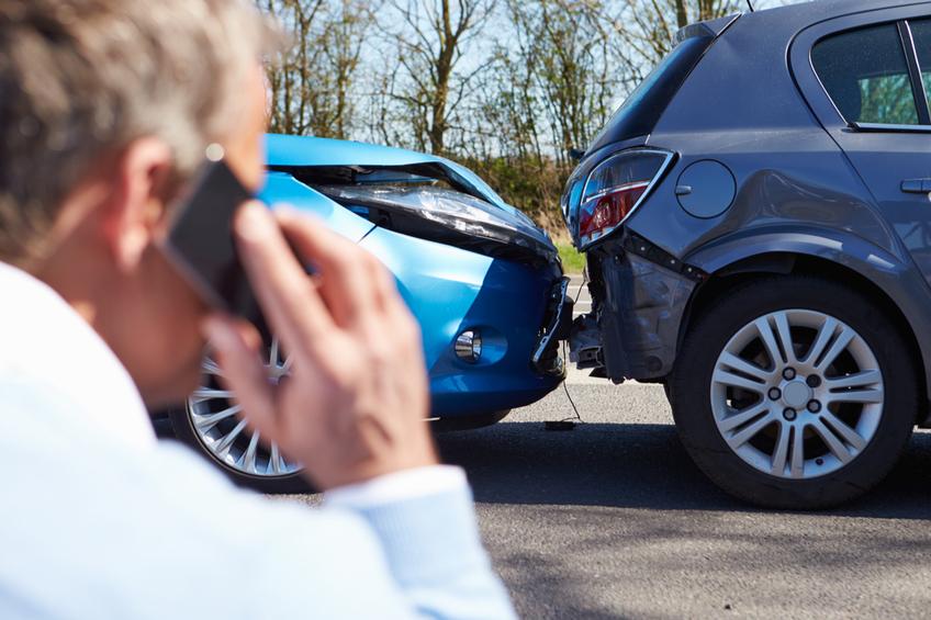 nehoda aut