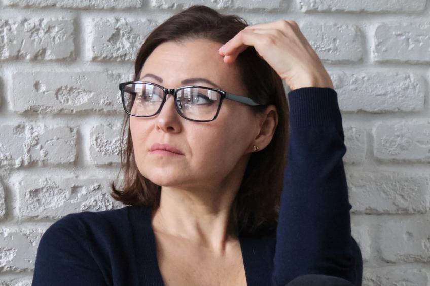smutná žena 2 1