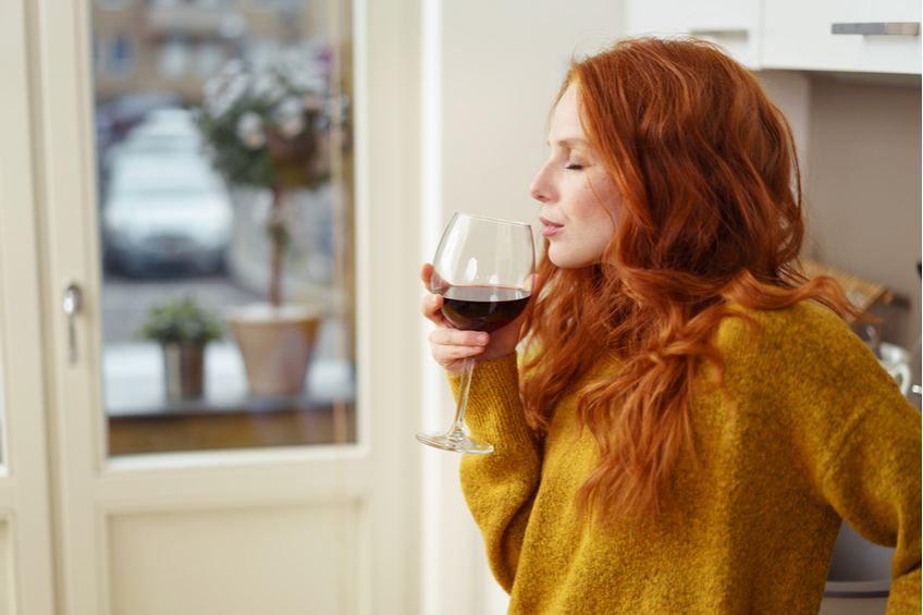 žena alkohol